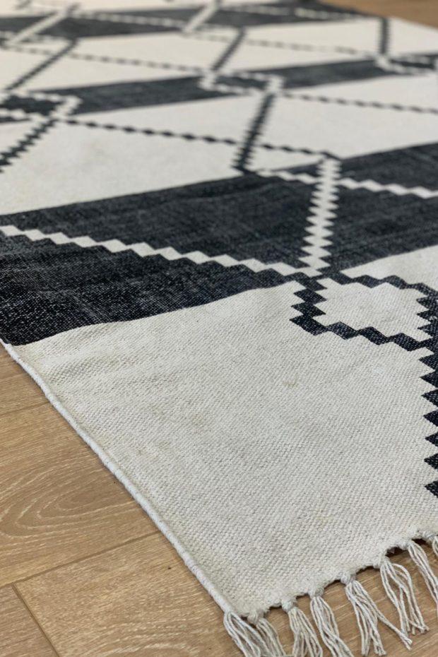שטיח כותנה קילים מעויינים שחור לבן