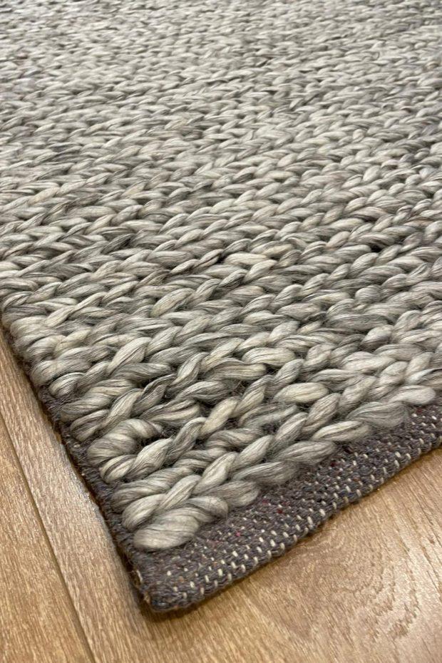 שטיח צמר אפור בהיר