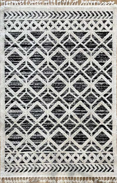 שטיח מעויינים שחור לבן